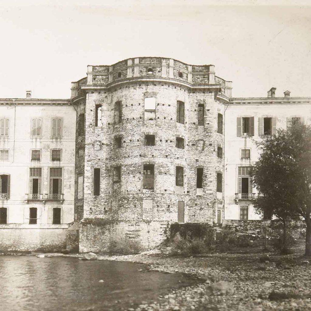 Palazzo-Borromeo-Mostra-Vitaliano-VI-esterno-salone-nel-1948