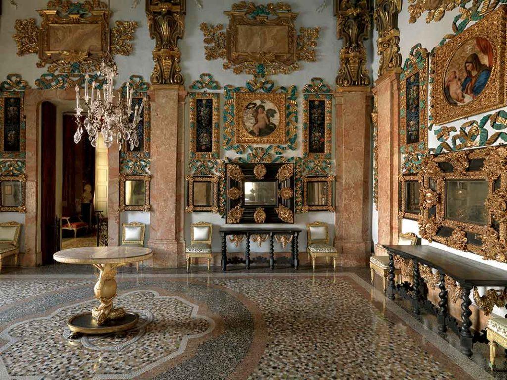Sala-delle-due-Alcove-o-della-Regina_Massimo-Listri