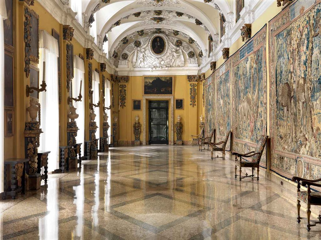 Palazzo-Borromeo-Isola-Bella-Arazzi