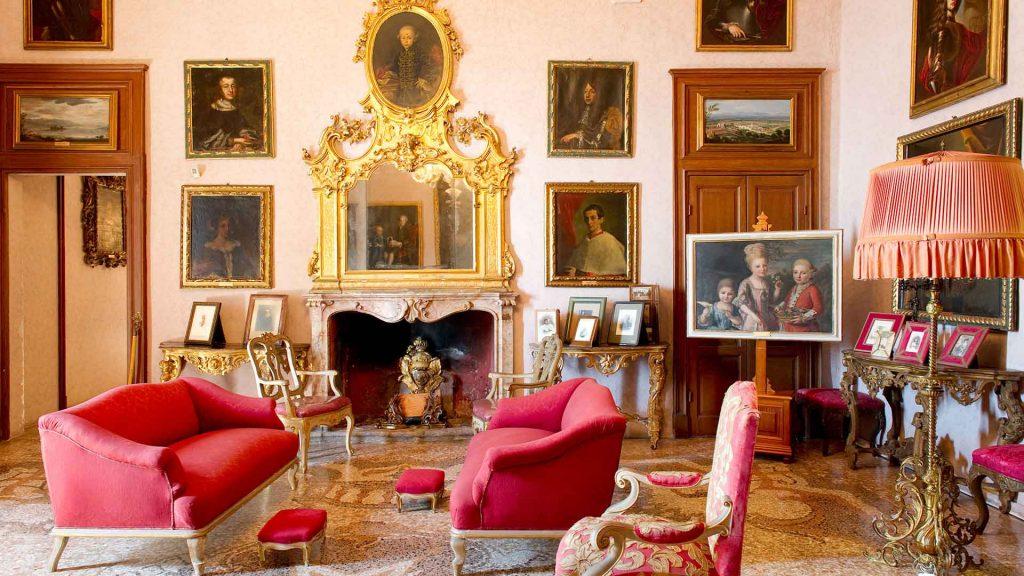 Palazzo Borromeo Interno